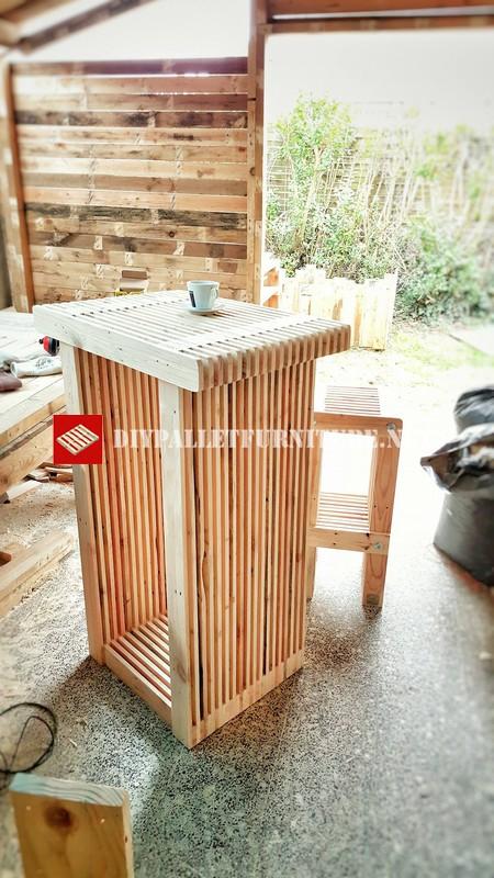 table haute et tabouret avec palettesmeuble en palette meuble en palette. Black Bedroom Furniture Sets. Home Design Ideas