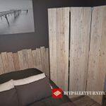 Têtes de lit en planches de bois