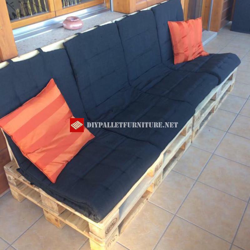 Canap pour la terrasse tape par tapemeuble en palette for Acheter canape en palette