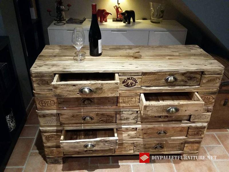 commode avec europaletsmeuble en palette meuble en palette. Black Bedroom Furniture Sets. Home Design Ideas