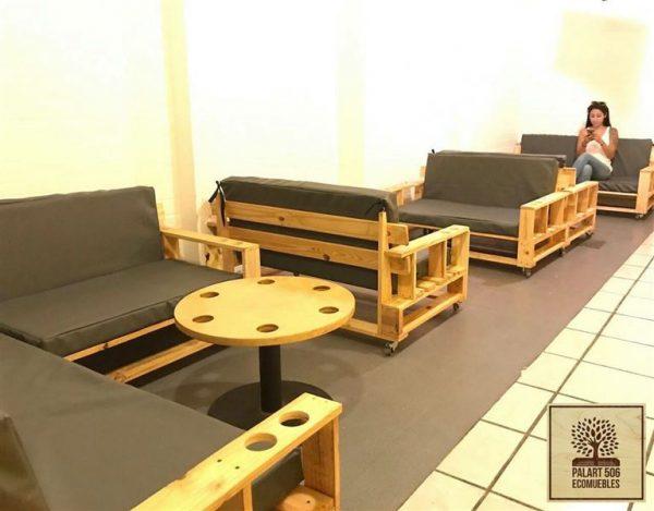 Meuble en palette for Mobilier salle de repos