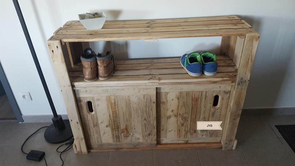 porte chaussures palette pour le vestibulemeuble en palette meuble en palette. Black Bedroom Furniture Sets. Home Design Ideas